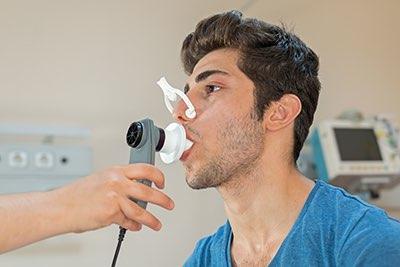 Cuide las pruebas para el asma por la capacidad pulmonar del paciente de las revisiones con un metro de flujo máximo