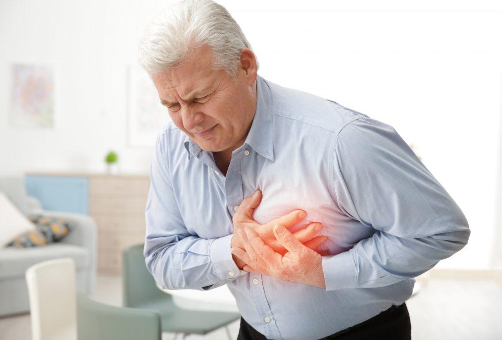 La mitad americana de los hallazgos del informe de la asociación del corazón de americanos tiene casi enfermedad cardiovascular